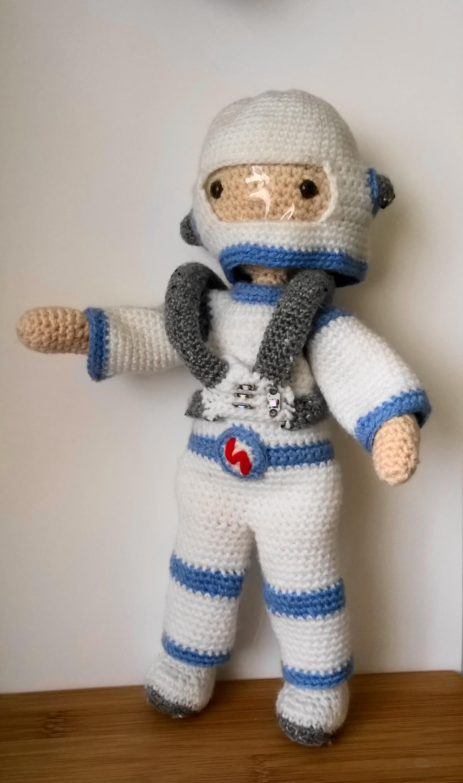 astronaut crochet - photo #4